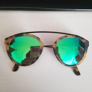 Westward Leaning Flower Leopard Green Sunglasses
